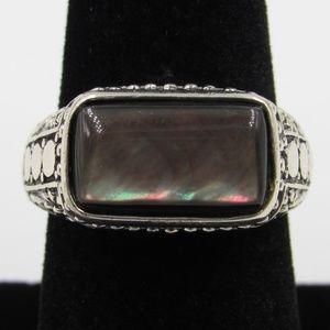 Size 8 Sterling Elegant Dark Shell Band Ring